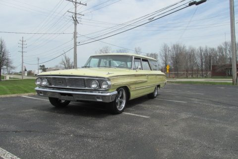 NICE 1964 Ford Country Squire for sale